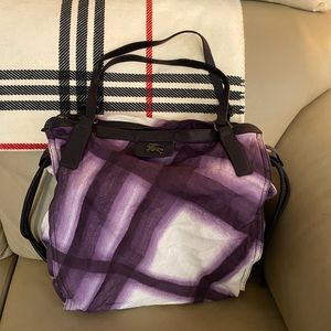 💥ON HOLD💥 Authentic Burberry Buckleigh large